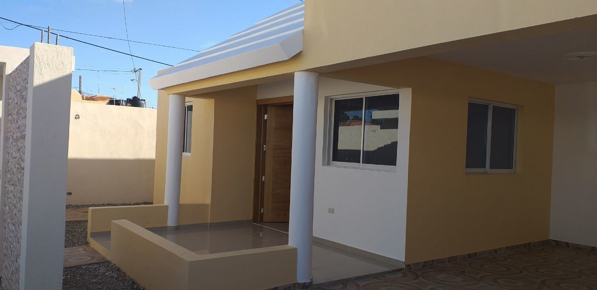 casa en residencial amalia, autopista san isidro