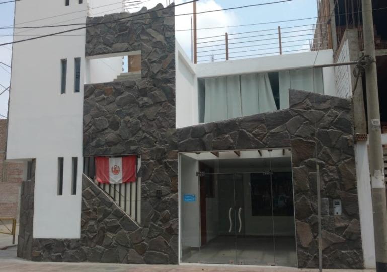 casa en residencial san carlos - ica