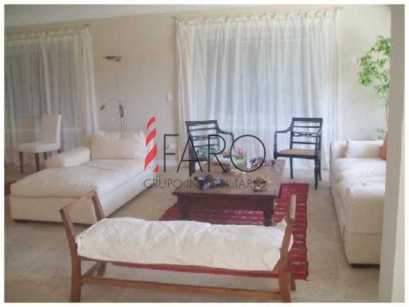 casa en rincã³n del indio, 6 dormitorios *-ref:33079