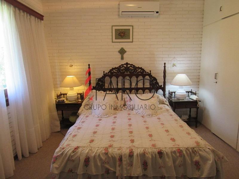 casa en san rafael 6 dormitorios y dependencia con barbacoa y cochera-ref:32916