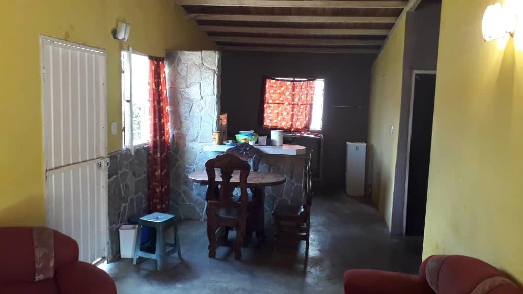 casa en sector tacarigua 2