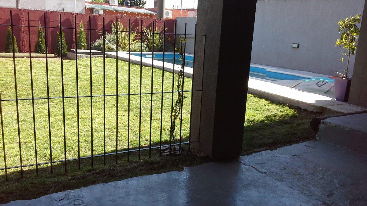 casa en tandil con hermosa pileta patio y parrilla