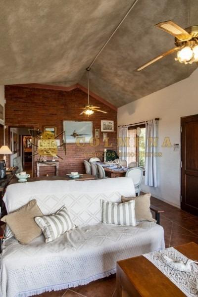 casa en tio tom de 3 dormitorios muy cerca de la playa. consulte!!!!!!!!-ref:2336