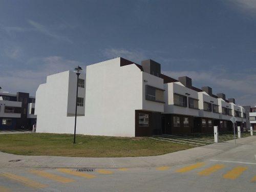 casa en toluca a solo $860,000 con opcion de crecimiento