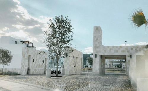casa en torre de piedra