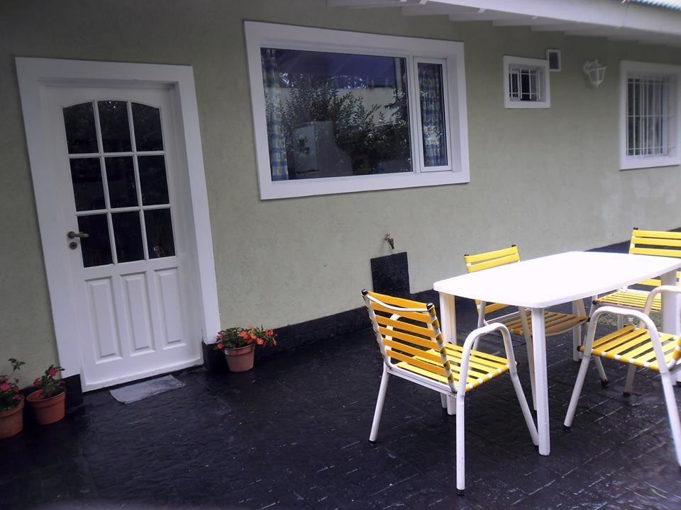 casa en valeria del mar. con pileta y solarium .  max. 6 prs