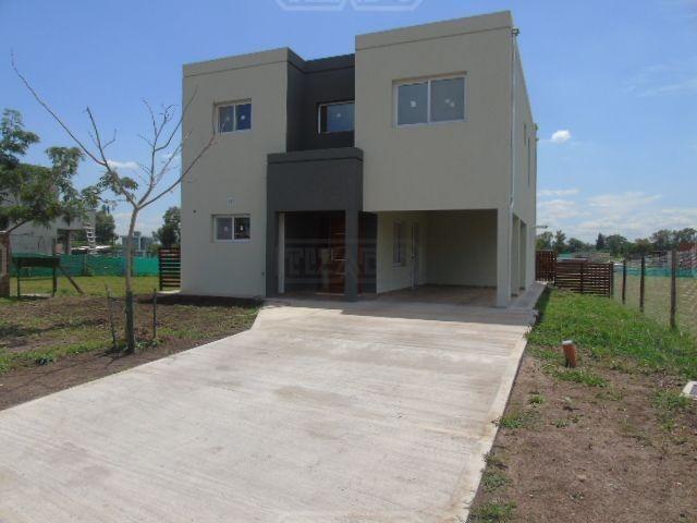 casa  en venta 128 ubicado en santa elena, pilar del este