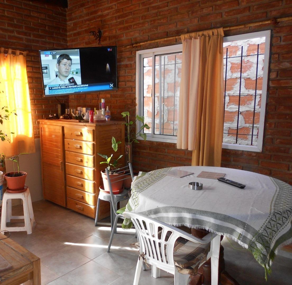 casa en venta :: 2 ambientes :: udaondo :: 300m2