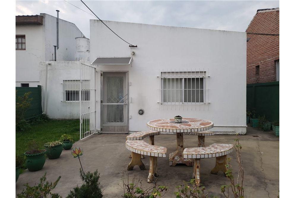 casa en venta, 2 dormitorios, berisso