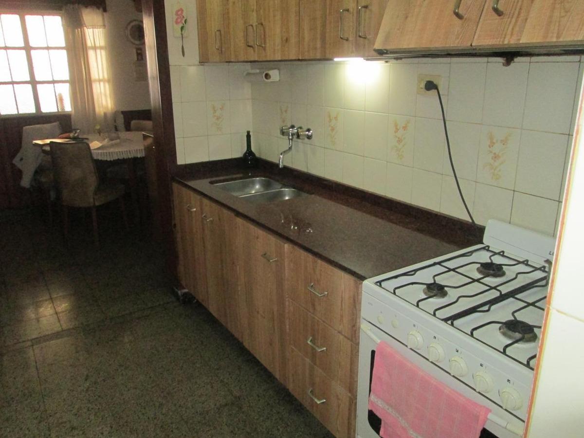 casa en venta 2 dormitorios cochera patio parrillero
