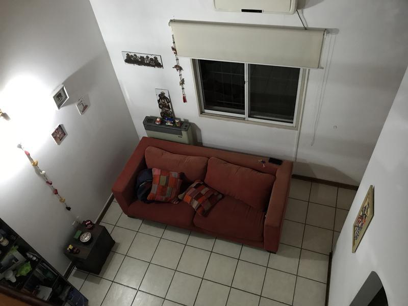 casa en venta 2 dormitorios en campana centro. con cochera. complejo casas blancas mediterráneas