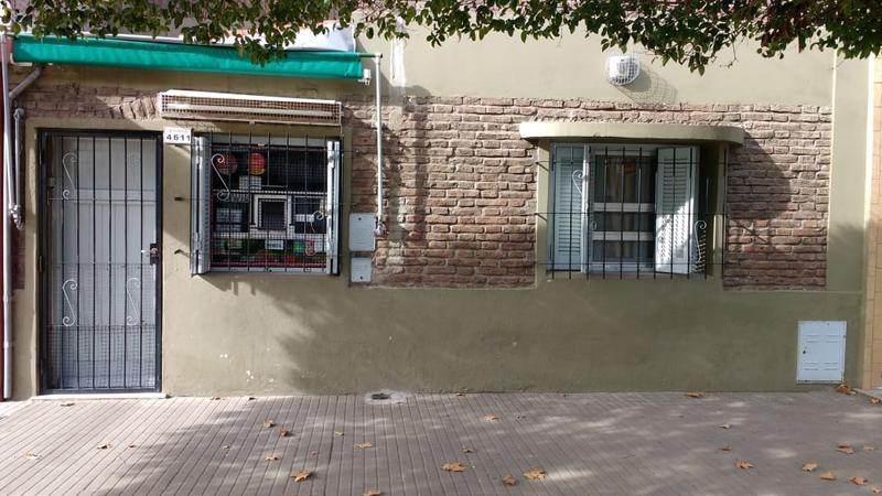 casa en venta  2 dormitorios en zona sur - barrio domingo matheu, rosario.