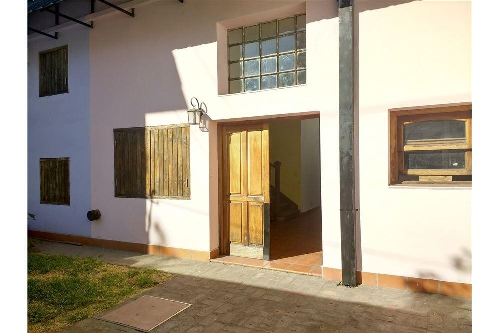 casa en venta 2 dormitorios, quincho, reciclada