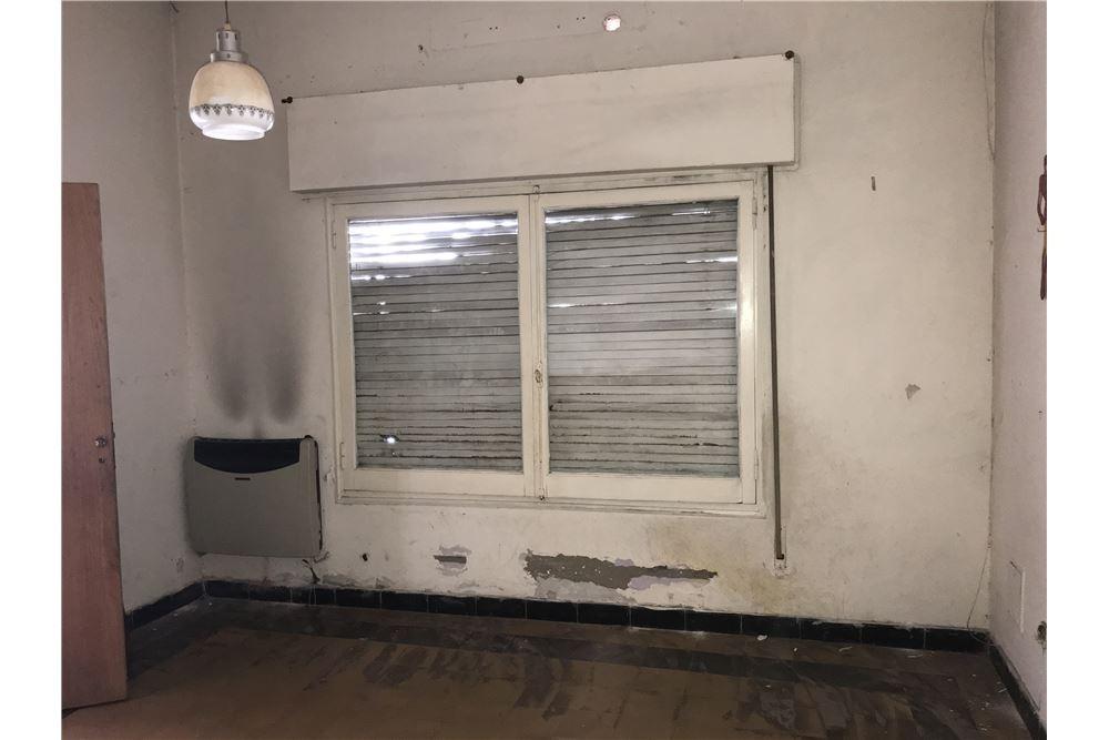 casa en venta - 2 dormitorios y terraza (ph)