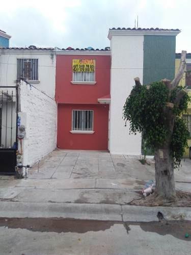 casa en venta, 2 recamaras, bonita vista, jardines enfrente