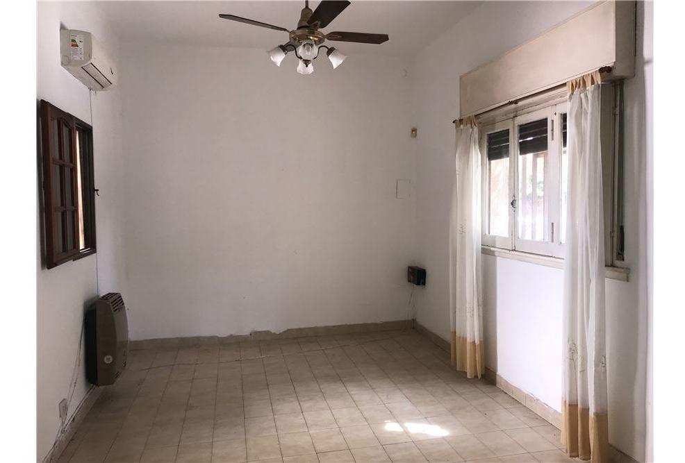 casa en venta 3 ambientes con terraza y quincho