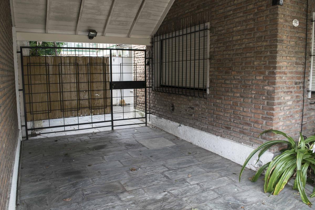 casa en venta 3 ambientes martinez