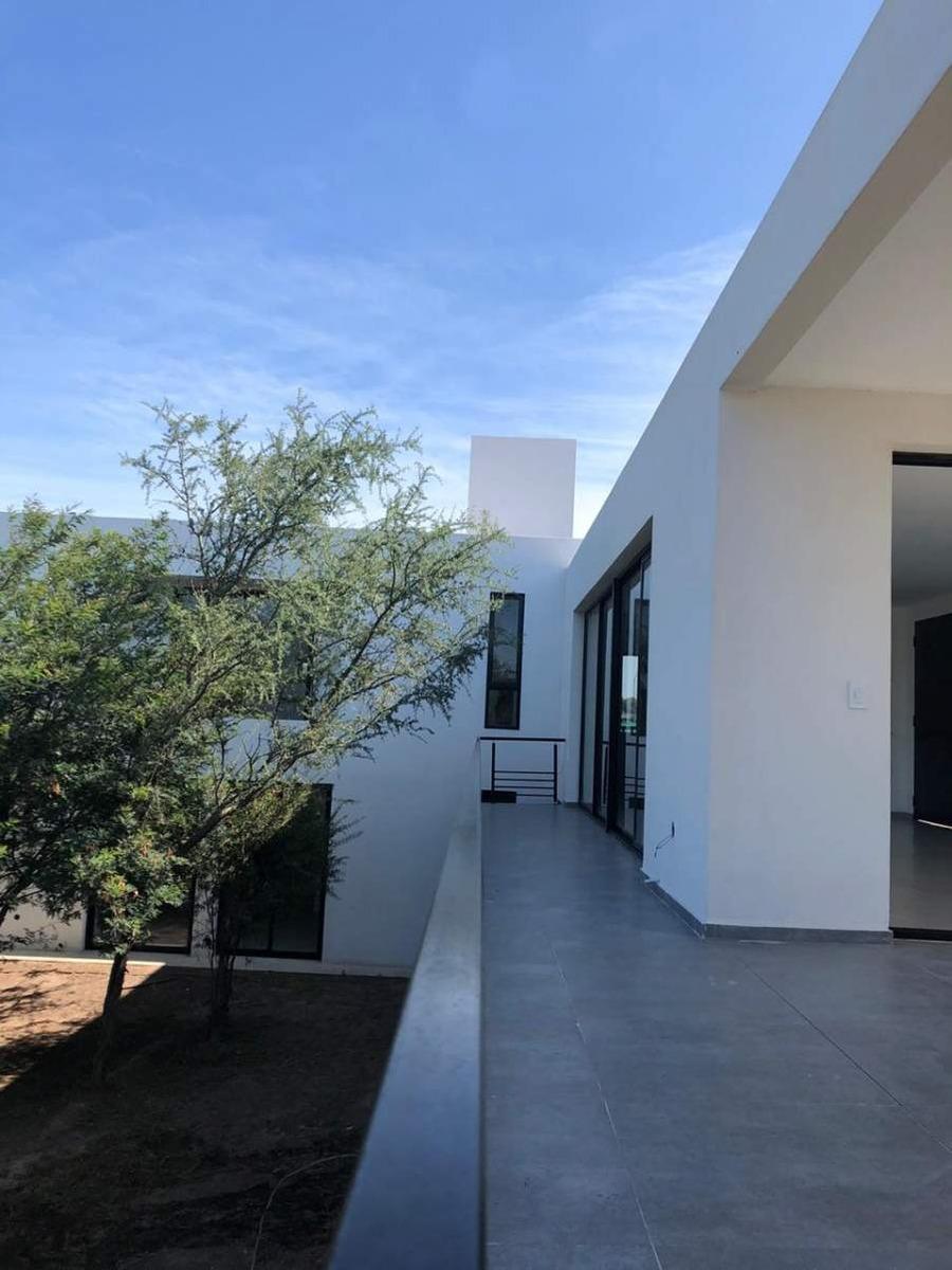 casa en venta  3 dormitorios - apta crédito- las cañitas barrio privado