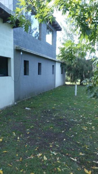 casa en venta 3 dormitorios, barrio la rueda, la plata.