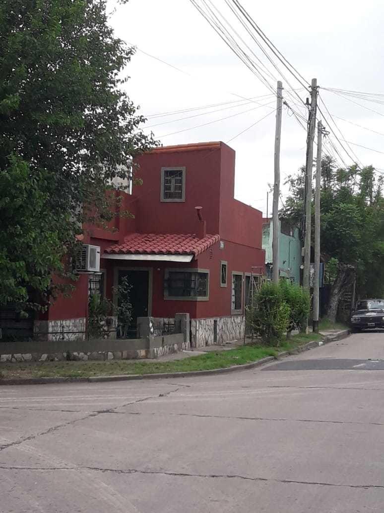 casa en venta; 3 dormitorios. lanus este