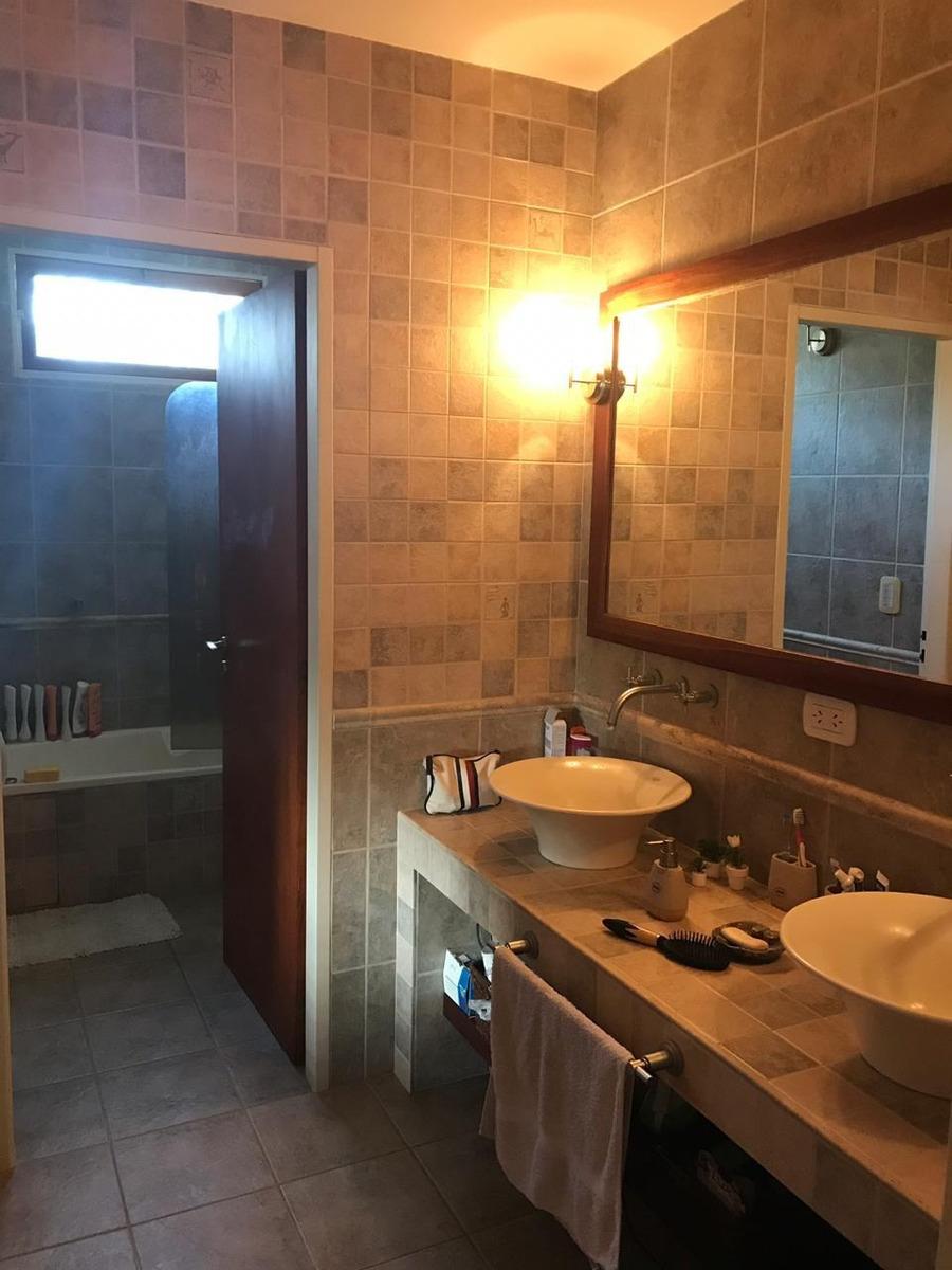 casa en venta 3 dormitorios pileta 477 y 9 city bell