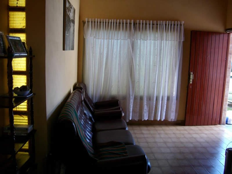 casa en venta. 4 amb. 3 dor. 250 m2. 150 m2 cub