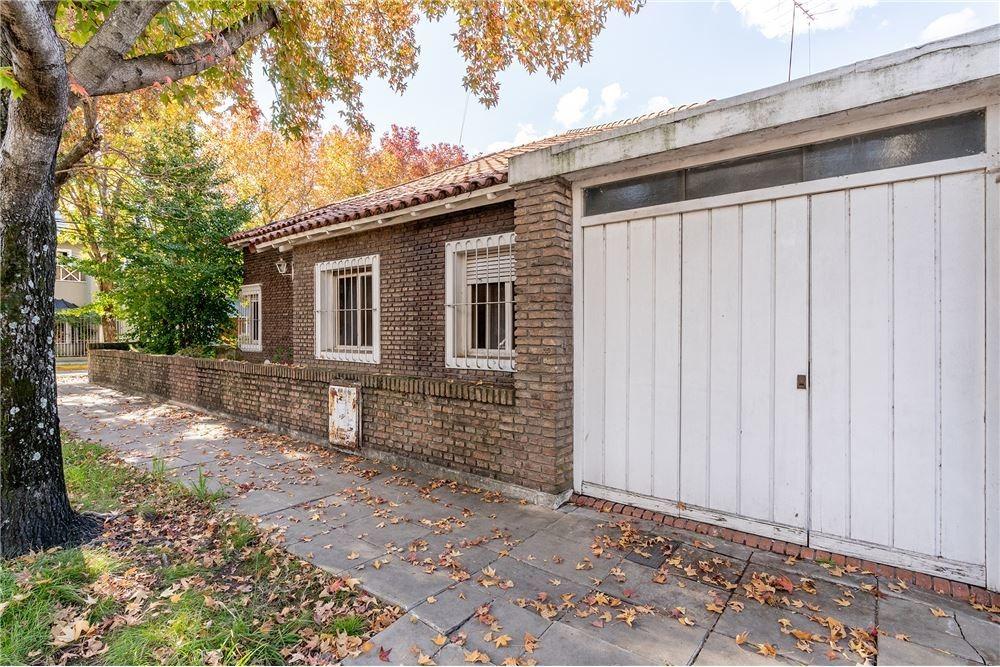 casa en venta, 4 amb. garaje y jardín, la lucila