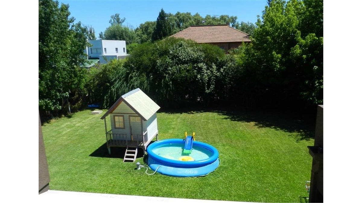 casa en venta :: 4 ambientes :: altos del sol :: 650m2