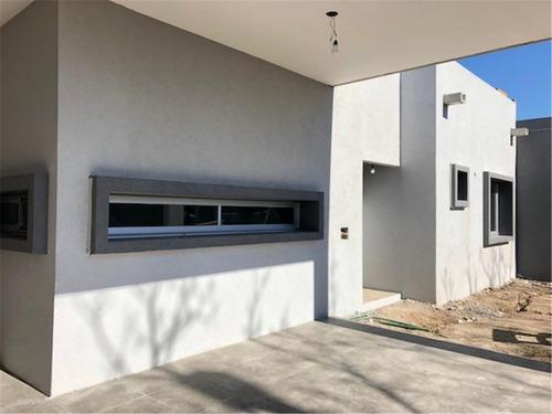 casa en venta 4 ambientes barrio privado hudson chico