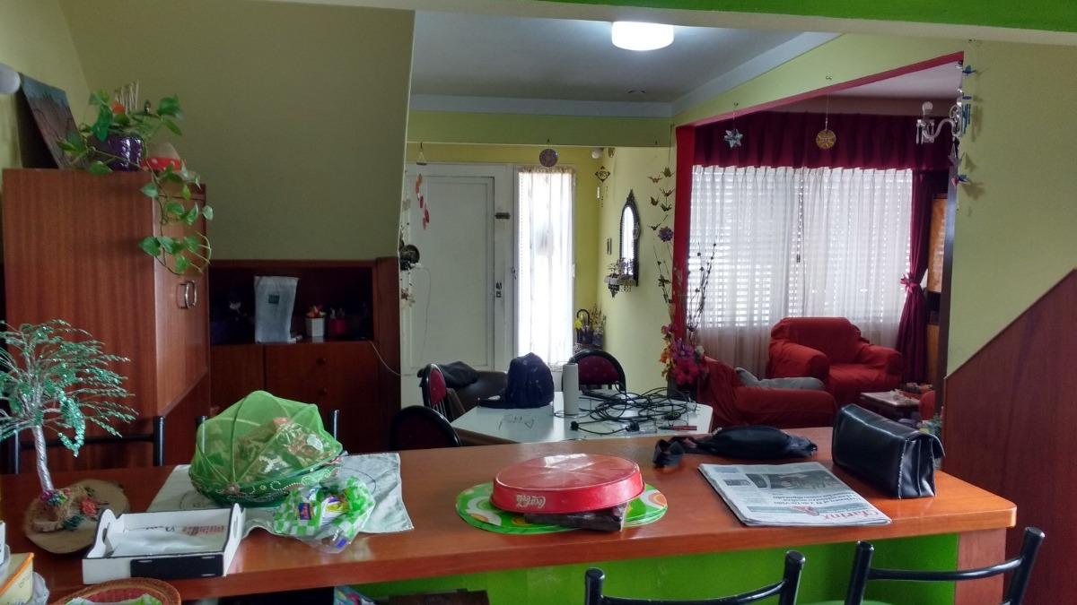 casa en venta 4 ambientes con cochera para 4 autos