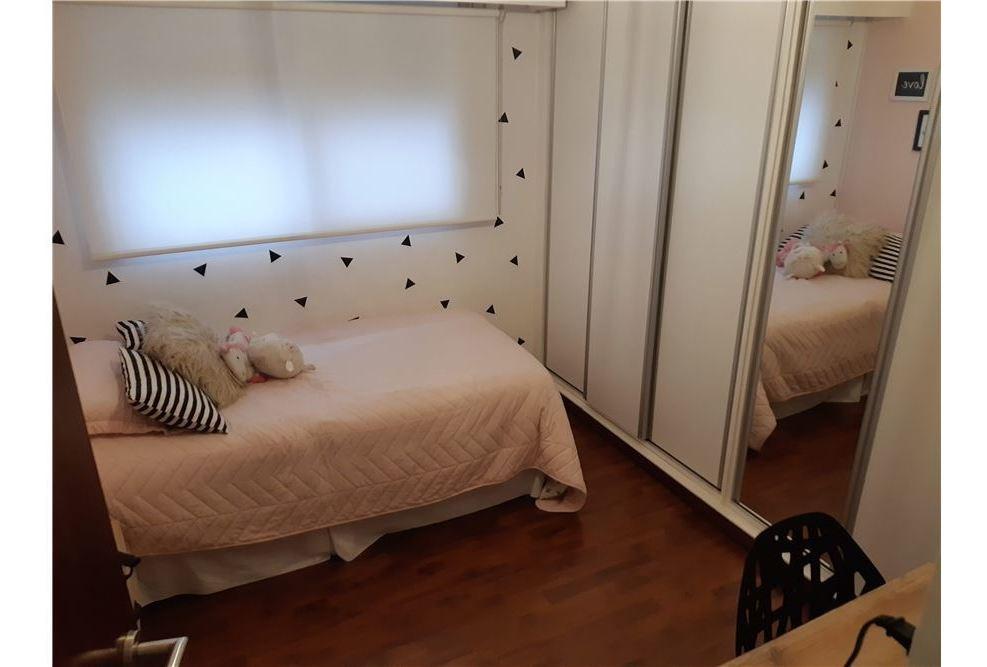 casa en venta 4 ambientes en quilmes con pileta