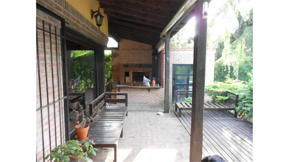 casa en venta :: 4 ambientes :: leloir :: 766m2