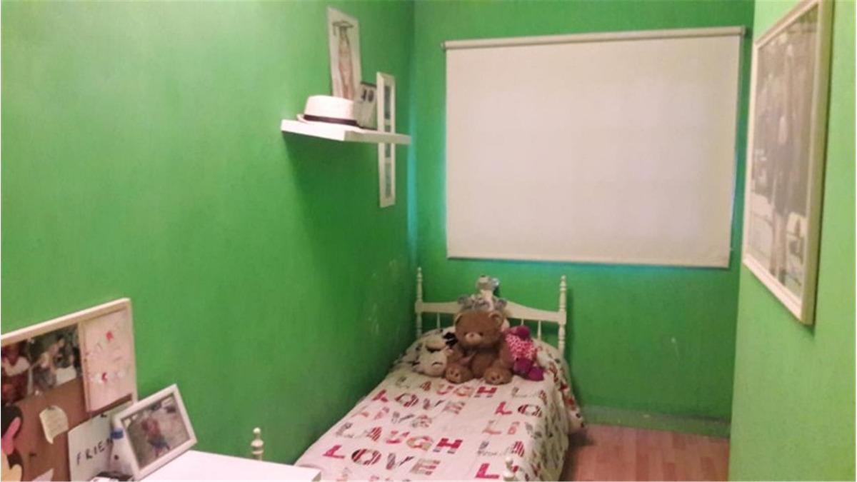 casa en venta :: 4 ambientes :: udaondo :: 200m2