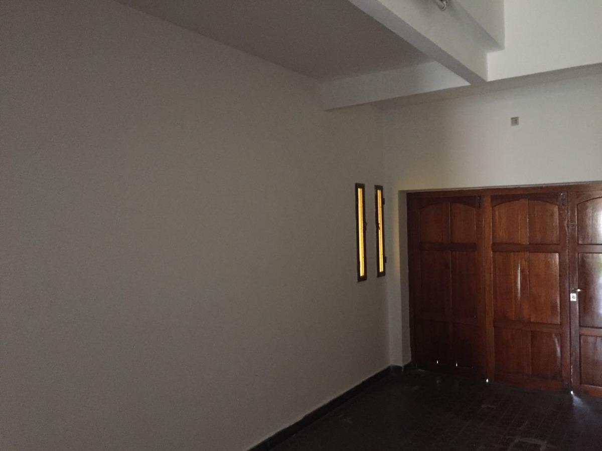 casa en venta 4 dormitorios. b° escobar
