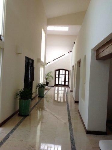 casa en venta 4 recamaras con amplio jardín en villa magna c