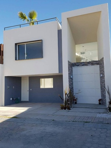 casa en venta 4 recámaras y roof garden en parque baja california sur (lomas)