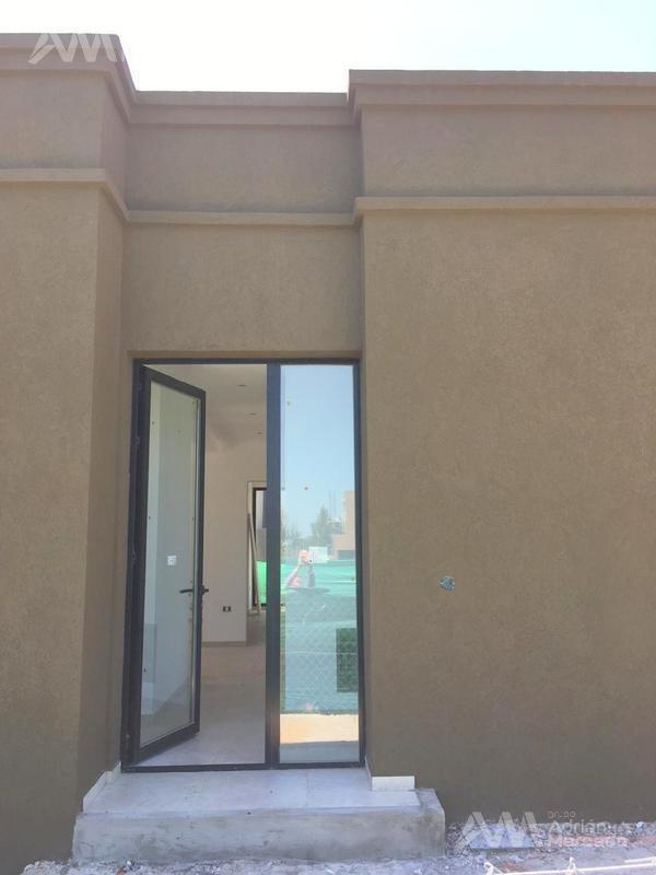 casa en venta 5 ambientes, barrio san rafael, villanueva