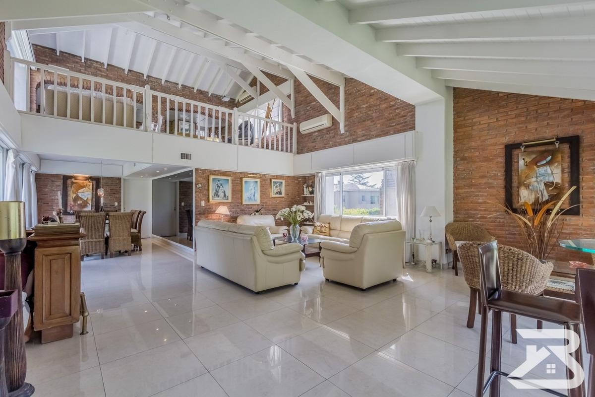 casa en venta 5 ambientes en campo chico