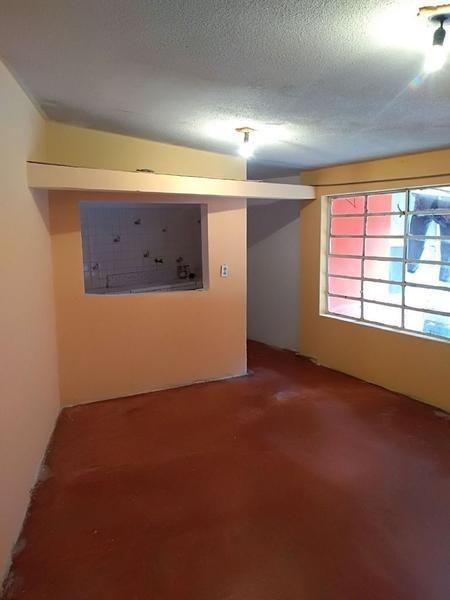 casa en venta (5 deptos indep.) ampliación águilas