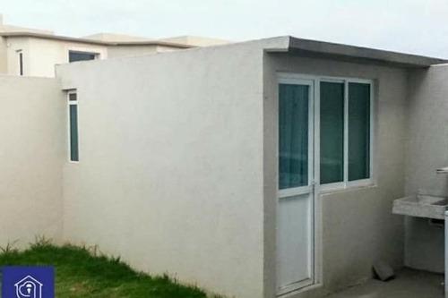 casa en venta a 10 minutos de galerias metepec