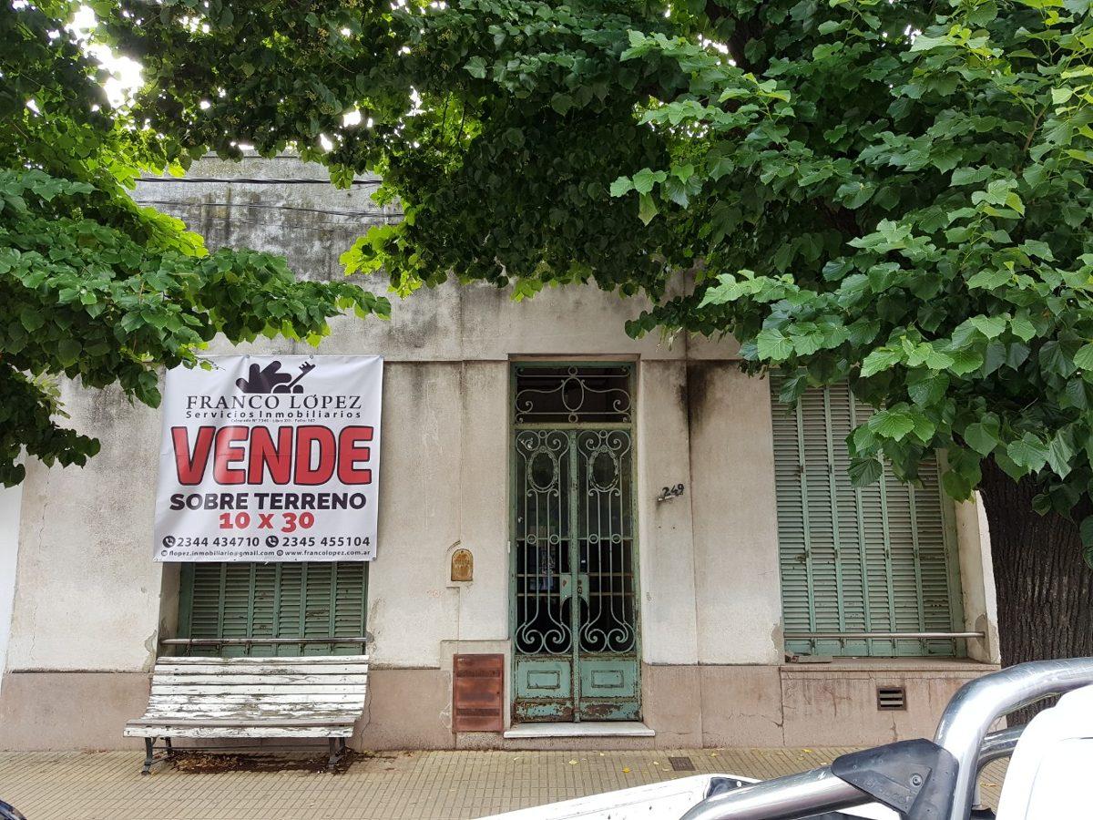 casa en venta a 50 metros de plaza principal, saladillo.