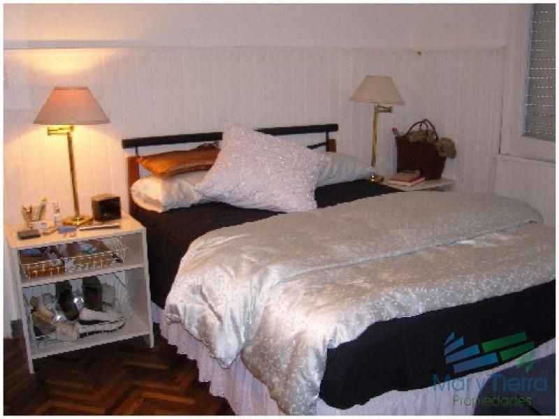 casa en venta, a dos cuadras del mar, playa mansa - punta del este.-ref:1591