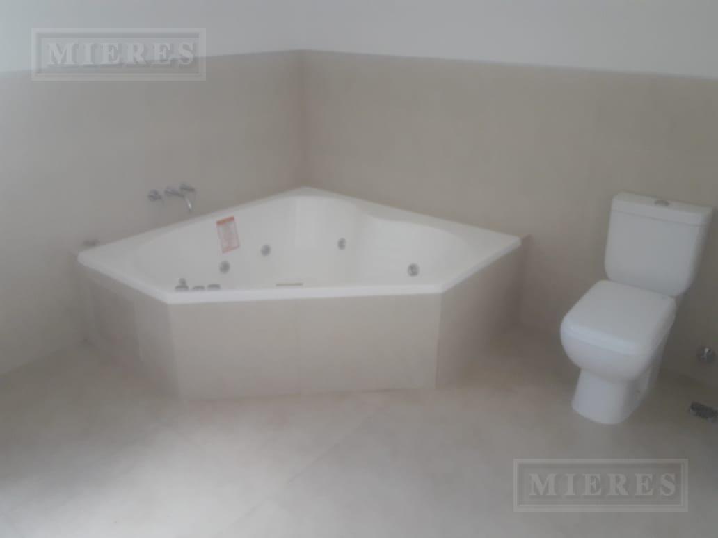 casa en venta a la laguna - 4 suites y 7 baños - san rafael, villanueva