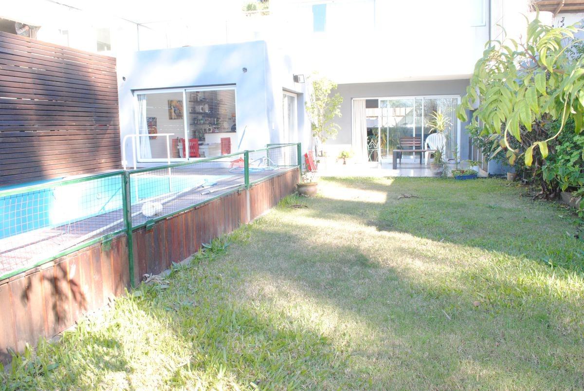 casa en venta  alberdi, tipo duplex, vista la rio. pileta.
