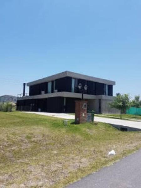 casa en venta, altos de campo grande, pilar