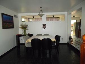casa en venta altos de guataparo valencia 20-8133 dam