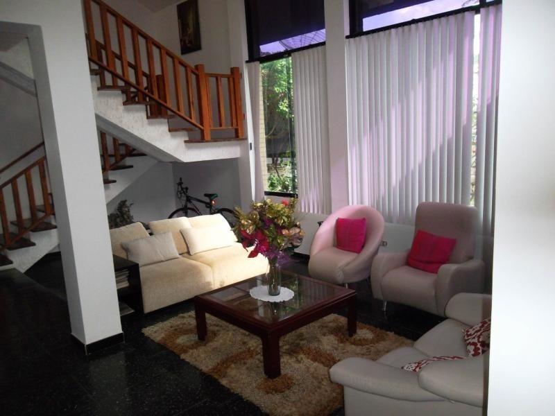 casa en venta altos de guataparo valencia cod 20-8133 ar