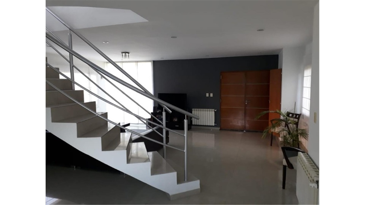 casa en venta :: altos del sol :: 4 ambientes :: 620m2