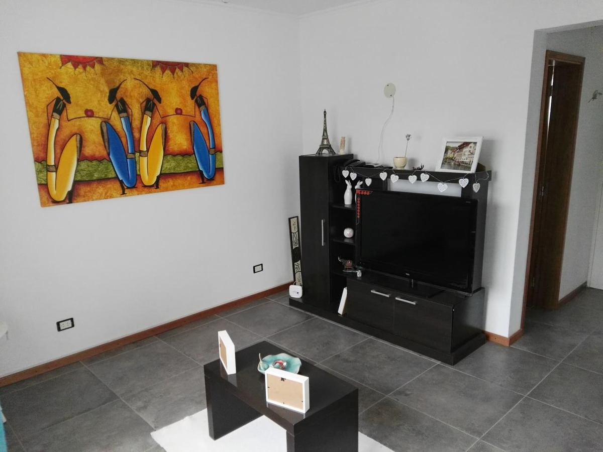 casa  en venta alvear cocina  living comedor dos baños un dormitorio parrillero patio y terraza