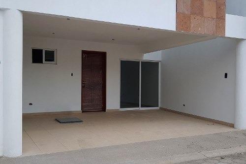 casa en venta atrás de plaza san diego